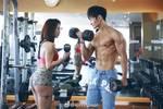 """23歲中國最美""""臀神芭比"""",解鎖情侶虐狗新姿勢,畫面太美不敢看……"""