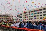 广西忻城��千名学子宣誓决战高考