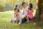 3 岁女童模被亲妈猛踢震怒网友��被?#24213;?#31461;年的孩子��一生都不快乐