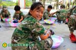 重庆巴南区自强夏令营重视孩?#24188;?#39118;纪律的培养