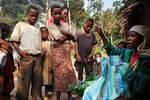 非洲一原始部落��20多岁就成��老人家?#20445;?#19968;生只能活到40岁