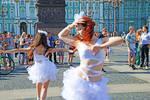 俄罗斯圣彼得堡冬宫��建筑美如童话世界��成市民休闲娱乐��天堂��