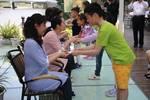 萱花节��如何重建本土的母亲文化符号