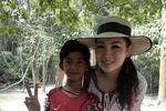 语言改变人生��这是一个关于柬?#33402;?#30007;孩的真实故事