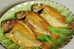 无论煎什么鱼,下锅前多加这一步,放一样东西,不粘锅不破皮