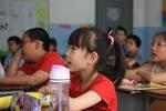 幼儿园毕业£¬小女孩儿一语道破未来?#20309;?#19981;能像以前一样快乐了£¡