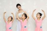 《跟我學芭蕾》系列叢書,讓芭蕾練習更加簡單 !