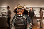 這位導演拍電影,誤將琉球甲當清朝鎧甲,結果設計出一套四不像