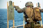 美军为何总喜欢在甲板射击?不止是为了训练,还有两个重要作用