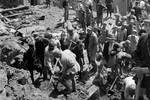1941年抗戰時期的西北軍民,軍校學員要自給自足