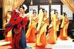 北齊皇帝高緯斂財有術,讓愛妃裸體表演,參觀費千兩黃金