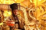 有人在禪讓儀式上大搖大擺走了,讓新皇帝出丑,為何卻安然無恙?