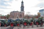 抗议新环境法规,德国农民把约4000辆拖拉机开上街