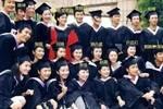 """43岁靳东因戏生情娶二婚妻子, 今儿子4岁被称""""最帅星二代"""""""