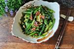 豆豉鲮鱼油麦菜怎样做好吃?教你炒制小技巧,油麦菜颜色翠绿不黄
