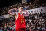中国男篮锋线顶梁柱传出好消息:伤情接近痊愈,归来不会太远?