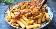 金秋吃蟹正当时,肉质细嫩,这样炒一盘滋味鲜美,比香辣蟹还好吃