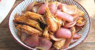 春节家宴,这菜比大鱼大肉受欢迎,鲜香味美又经济实惠,最先光盘