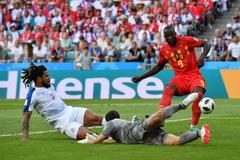 世界杯-阿扎尔默滕斯失良机 比利时半场0-0憾平