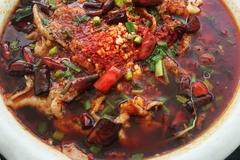 20年川菜厨师分享水煮肉片:虽然难度低,做到又滑又嫩还是很讲究