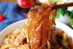 教你在家用电饭锅做猪肉炖粉条,做法简单营养足,味道不比饭店差