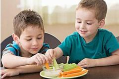 """3岁女童竟长了十几颗坏牙,都是长期吃""""它""""造成的!"""