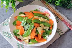 春天用这3种蔬菜搭配一起炒,比吃肉还过瘾,每天吃都不怕长肉