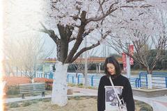舒适自然的穿搭 一起和大表姐刘雯演绎暖春时尚
