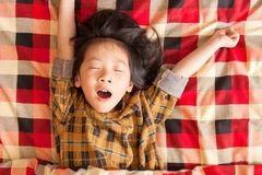 晚睡的危害多到数不清,为了您孩子的健康,谨记这几个健康原则!
