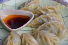 荠菜饺子鲜嫩多汁的秘诀,照着做比饺子店还好吃