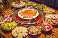 这家专做小碗菜的江湖火锅胆大包天,竟然让我吃锦鲤?!
