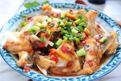 鱼头这样做,方法简单有营养,鲜香嫩滑无腥味,吃了还想吃!