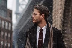 为什么别人戴围巾那么洋气,你戴永远像大伯?