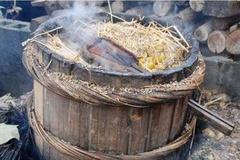 为什么农村酿的烧酒度数那么高, 喝了却不容易醉!