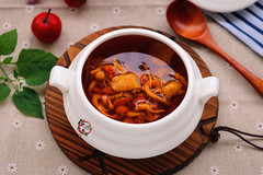 大冬天的,别忘了炖这汤给家人喝,滋补肝肾,增强身体免疫力!