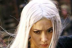 白头发, 为什么会长?不想染黑,白发吃什么可以变黑?