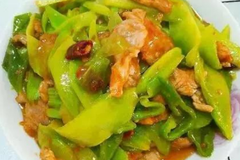 一家人的晚餐,自己下厨做的几道美食,特别下饭营养又健康