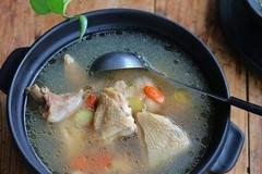 鸡汤太油腻不敢喝?往里加点这玩意,变成莹白滋润的清汤!