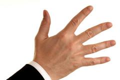 手指出现三个信号的时候,最好去检查一下,血栓可能已经找上你