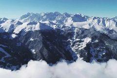 中国雪乡输了,这里才是真正的粉雪天堂!