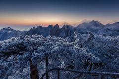 中国门票最贵的山,一下雪游客就觉得一点也不贵,明年下雪还来玩