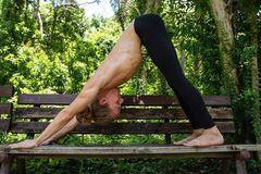工作健康两不误,人生巅峰尚可期,瑜伽走起