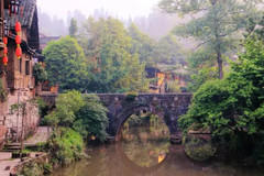 成都边上这座与世无争的小城终于通高铁了,绝美风景要藏不住了!