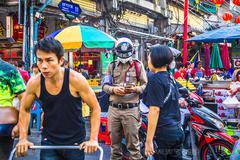 曼谷唐人街穿金戴银吃燕窝,新年就是泰好玩