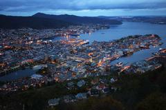 这里有神奇的北极光,称万岛之国,是理想的滑雪、徒步和垂钓圣地