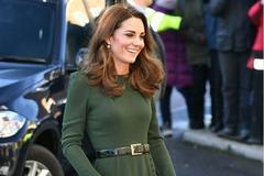 梅根王妃和凯特王妃同穿墨绿色连衣裙,差距一目了然,气质很重要