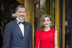 """西班牙王后太会穿!""""落地""""长裙真显瘦,长度完美修饰身材比例"""