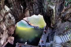 浙江这岛很怪异,水塘十几平米却抽不干,地下藏千个石洞犹如迷宫