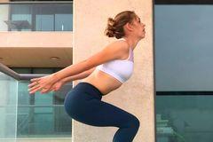 水润细腻好肌肤,运动健身养起来,记得热身哦