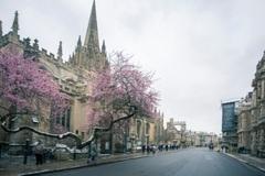 英国留学:利兹大学商学院全额奖学金开放申请